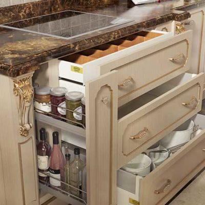 mobili per cucina classica laccata