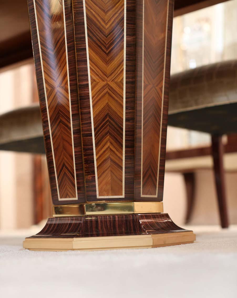 tavolo elegante di lusso in legno in stile contemporaneo