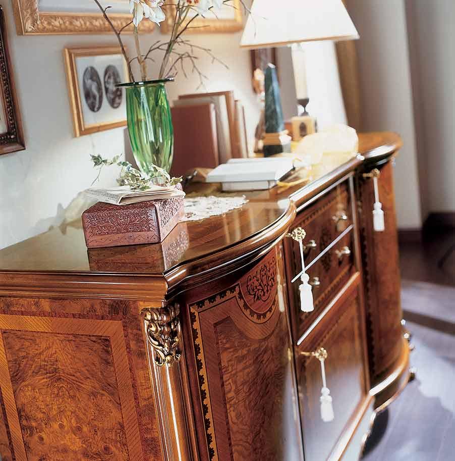 credenza di lusso in legno in stile classico