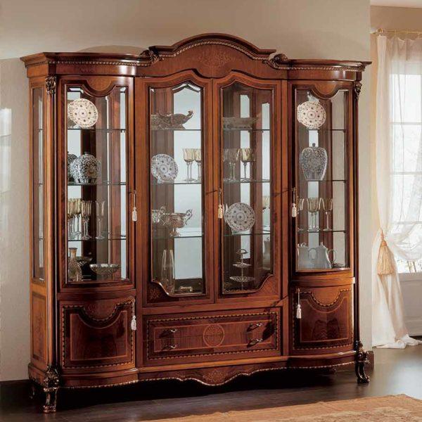 soggiorno vetrina elegante di lusso in legno in stile classico
