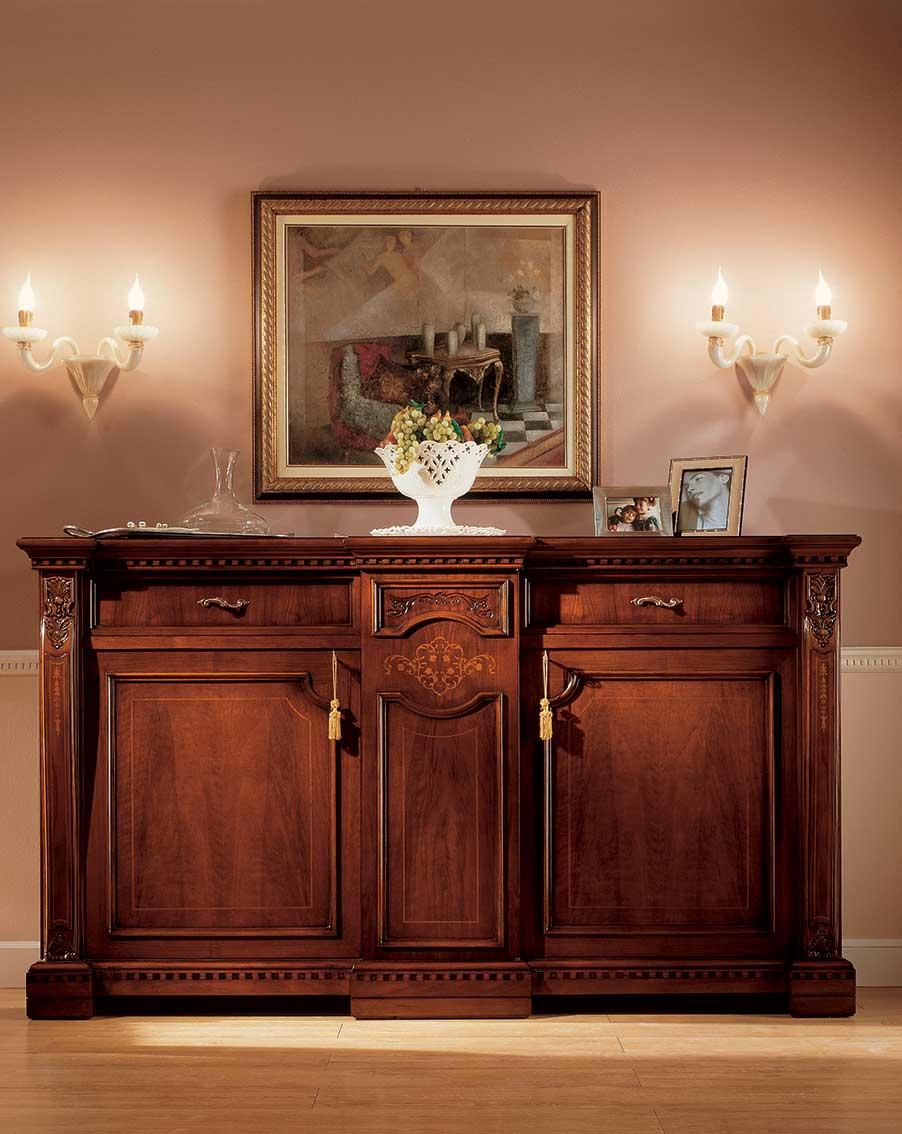 credenza elegante di lusso in legno in stile classico