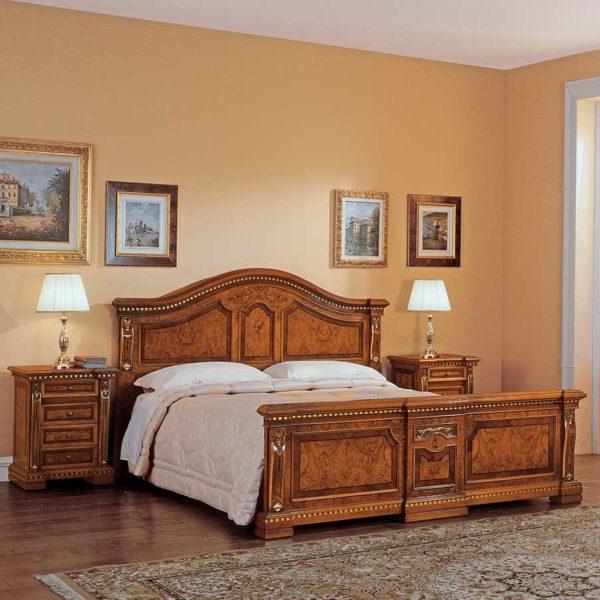 letto elegante di lusso in legno in stile classico