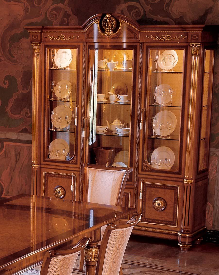 Vetrina in legno di lusso